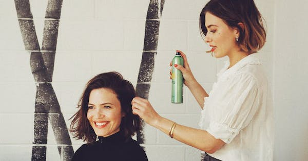You Can Get Mandy Moore's Lived-In Waves Thanks To These Tips From Her Hairstylist