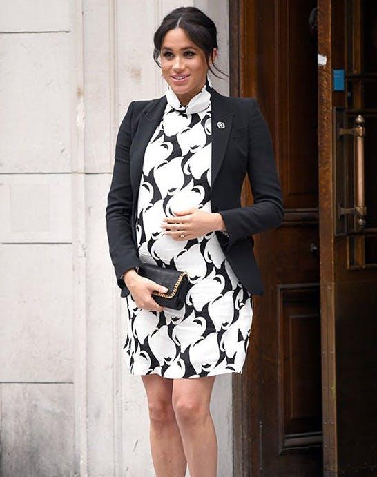 Meghan Markle in Reiss dress3