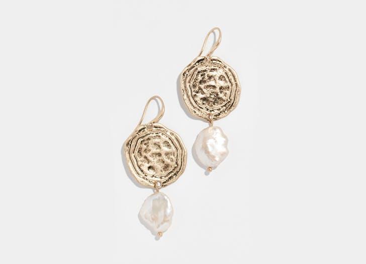 dangling disc baroque pearl earrings