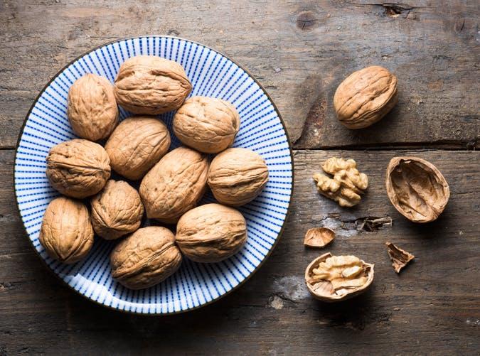 healthy food for women walnuts
