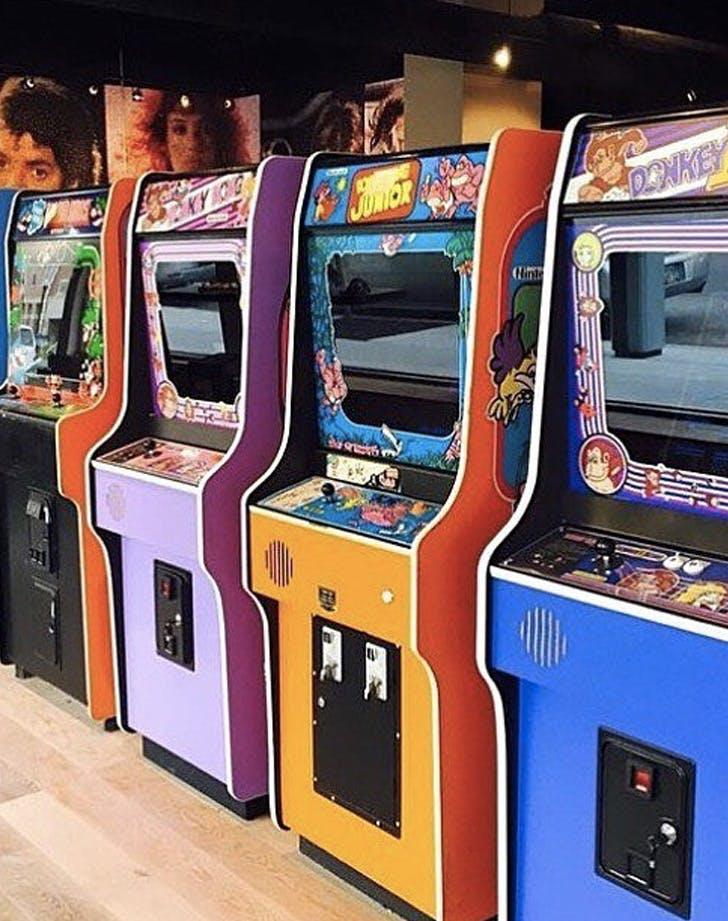 16 bit bar arcade ohio dog friendlly
