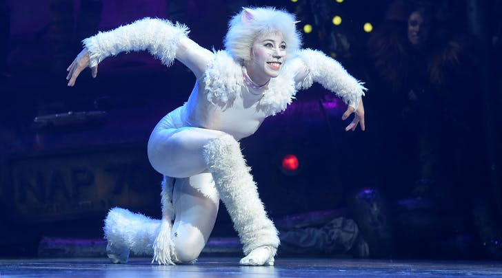 Here S What The Costumes In The New Cats Movie Will Look