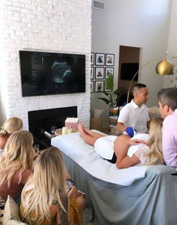 arie lauren sonogram baby shower
