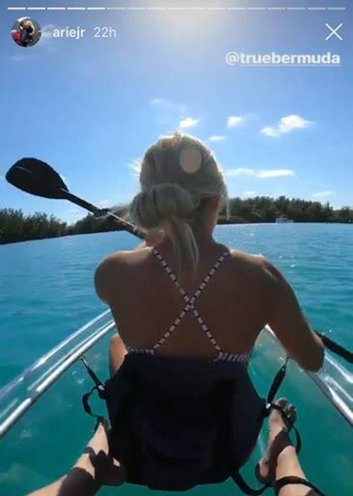 arie luyendyk lauren burnham babymoon kayak