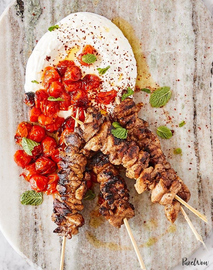 chicken kebabs garlic lemon yogurt recipe2