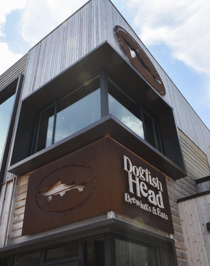 dogfish head brewery delaware dog friendly