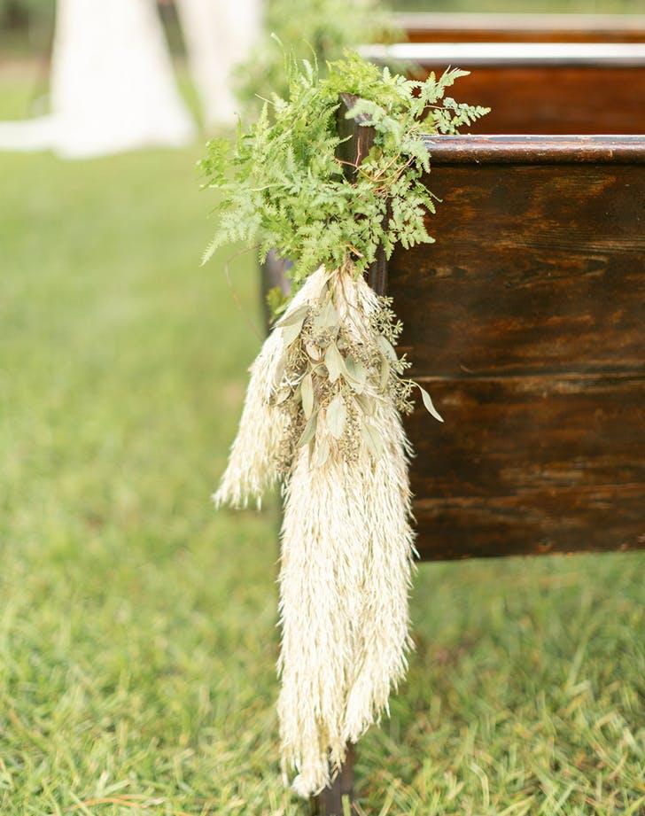 pamas grass as an isle runner at a wedding