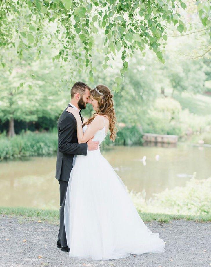 proper wedding photo poses 1