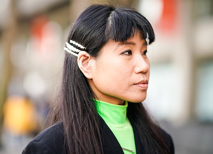 woman wearing hair clips