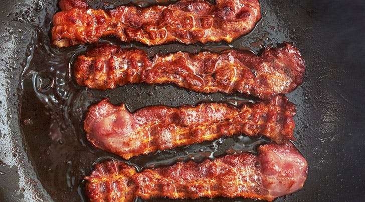 The Surprising Trick for Cooking Perfectly Crispy Bacon Without Spatters