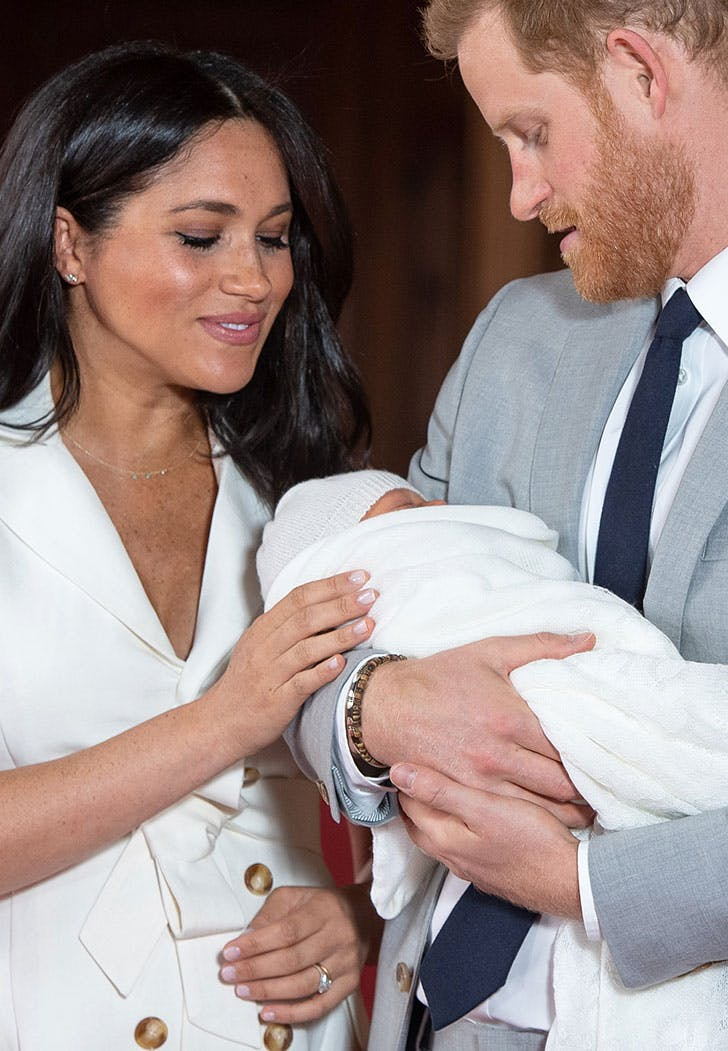 meghan markle looking at baby archie1