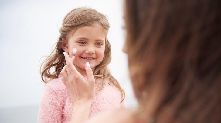 We Ask a Derm: What's the Difference Between Child and Adult Sunscreen?