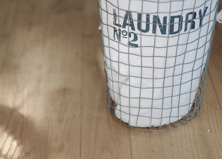 wite laundry hamper