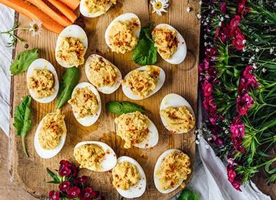 hummus deviled eggs 400