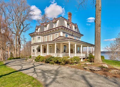 The Victorian Home From Stepmom Is For Sale Purewow