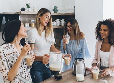 women using blender 400