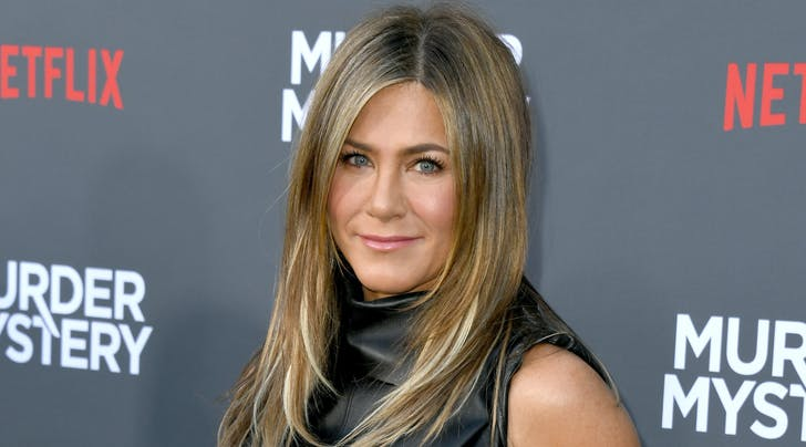 Celebeauty Sit Down: Jennifer Aniston's Colorist Explains How to Keep Your Hair from Thinning as You Age