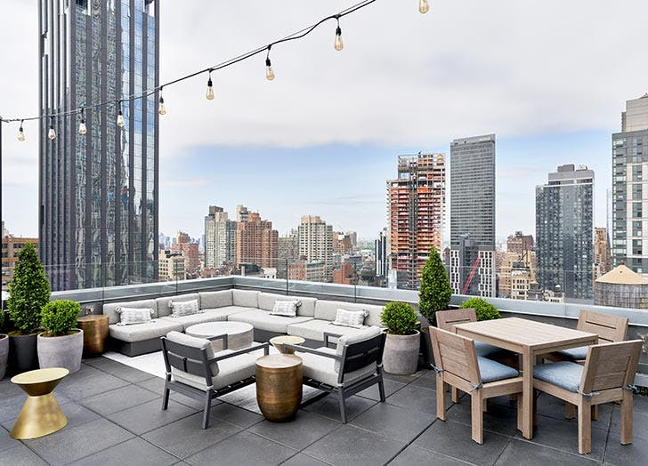 The 34 Best Rooftop Bars NYC Has to Offer - PureWow