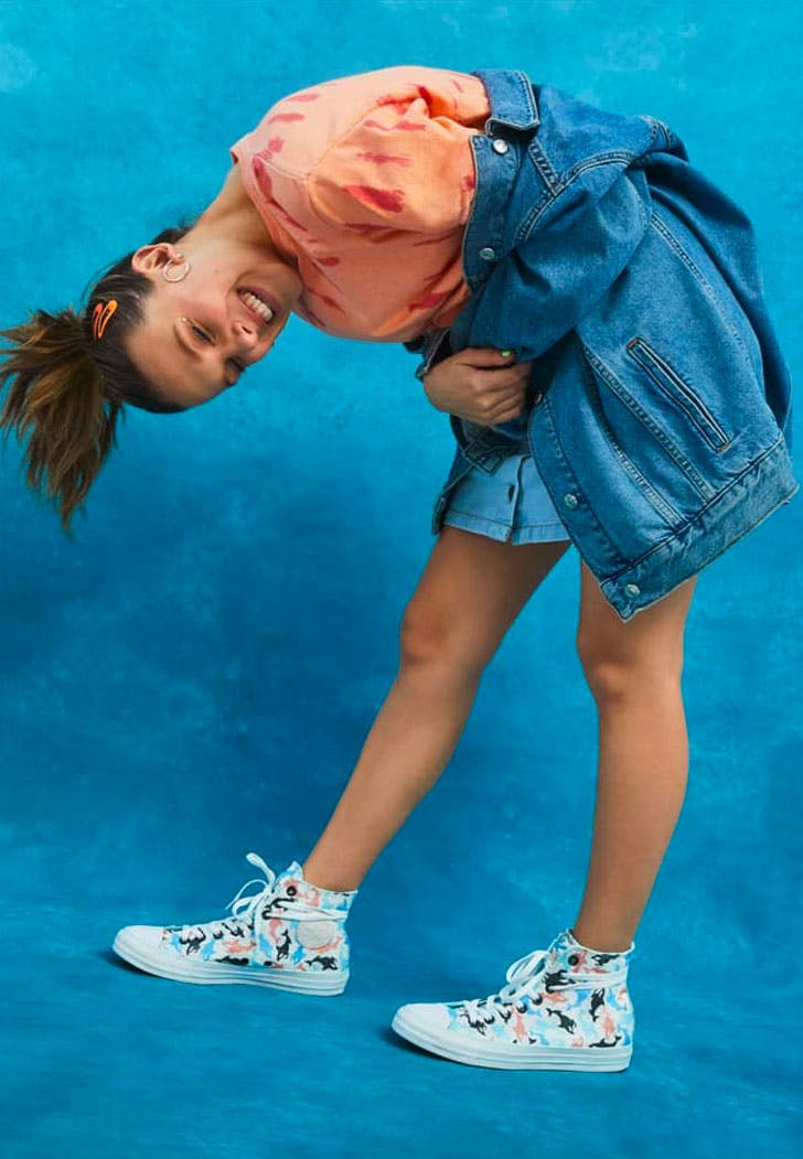 Banco Mierda Para aumentar  Millie Bobby Brown Just Launched a Converse Sneaker Collection - PureWow