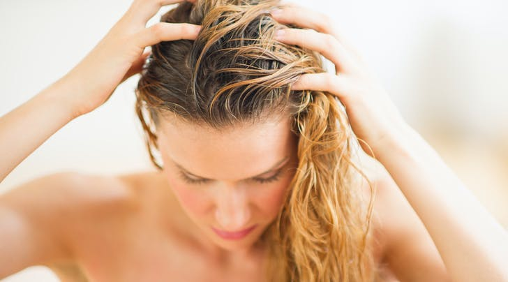 We Ask a Derm: How Often Should I Use Castor Oil for Hair Growth (and Other Questions Related to Hair Loss)
