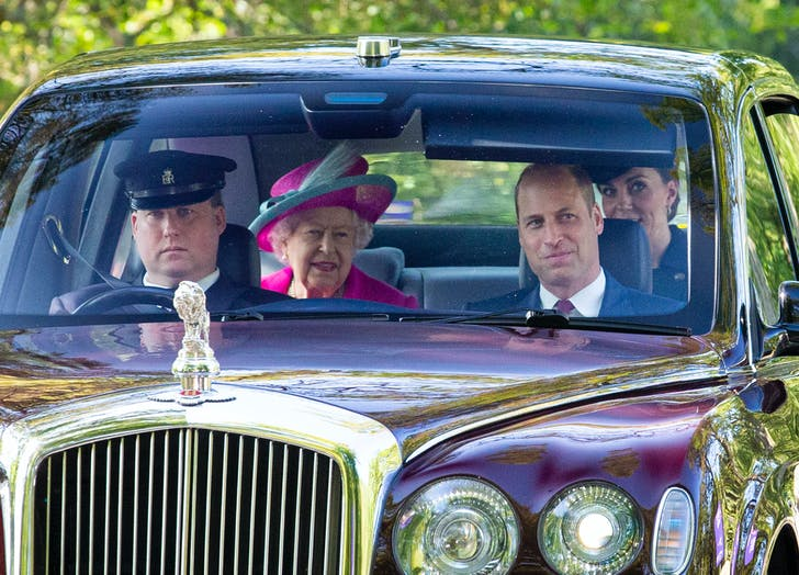 Kate middleton prince william and queen elizabeth driving to church