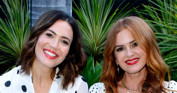 Mandy Moore & Isla Fisher Just Twinned in Matching (Affordable!) Polka-Dot Dresses