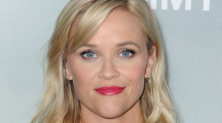 Reese Witherspoon's Former Makeup Artist Tells Us How to Perfect the 5-Minute Face