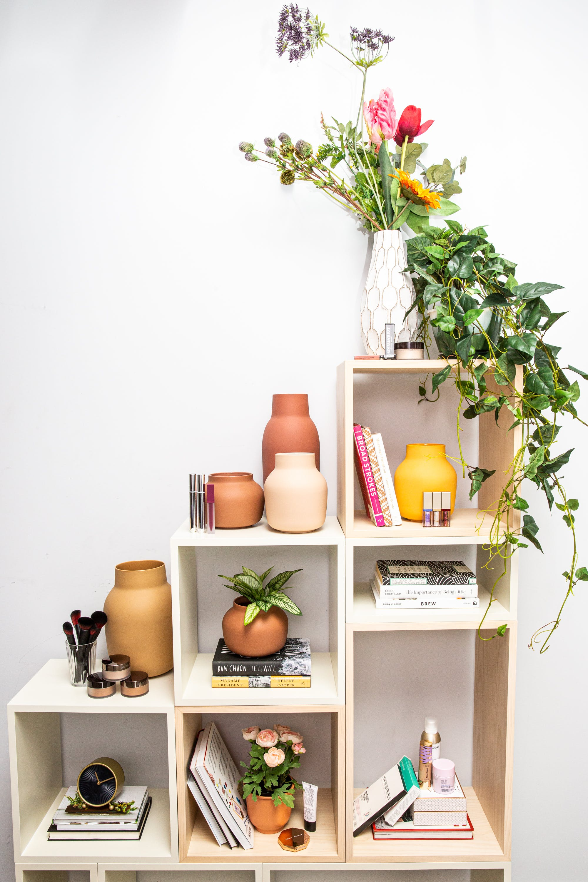 diy bookcase from EQ3 and Modsy