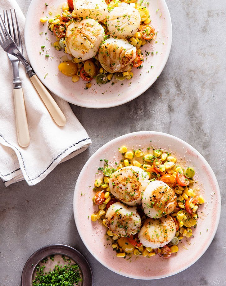 Pan-Seared Scallops with Citrusy Corn Succotash