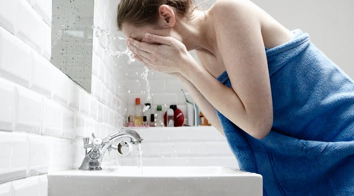 Salicylic Acid Face Wash: How It Works, Plus Our 3 Favorite Cleansers