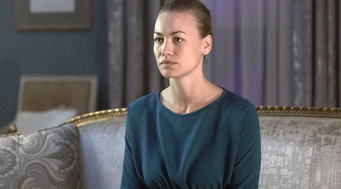 'Handmaid's Tale' Star Yvonne Strahovski, Superwoman, Went into a Lake in Below Freezing Temperatures While Filming