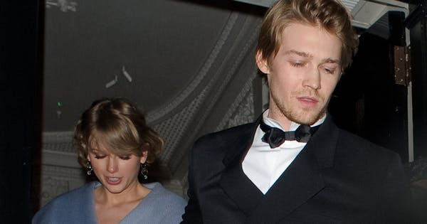 What To Know About Taylor Swift S Boyfriend Joe Alwyn Purewow