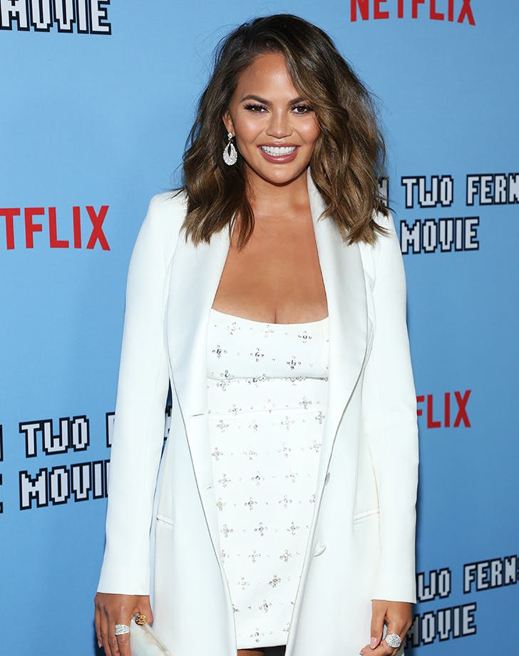 Easy Hairstyles for Medium Hair Chrissy Teigen