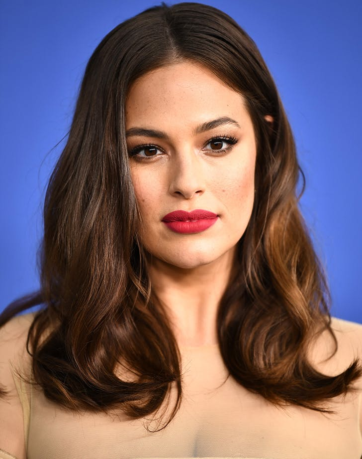 Most Flattering Haircuts for Oval Faces Ashley Graham