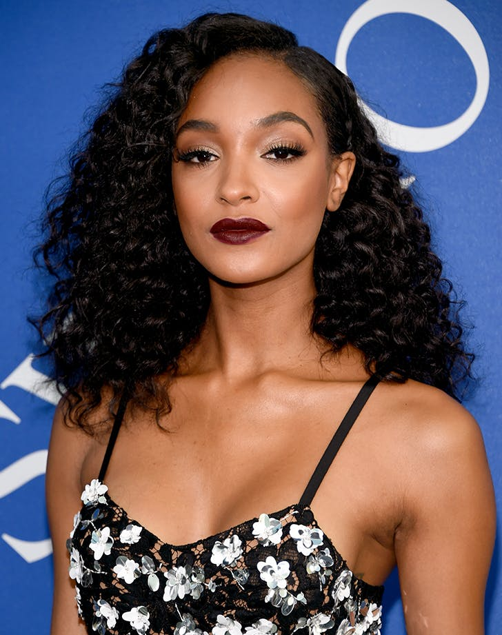 Most Flattering Haircuts for Oval Faces Jourdan Dunn