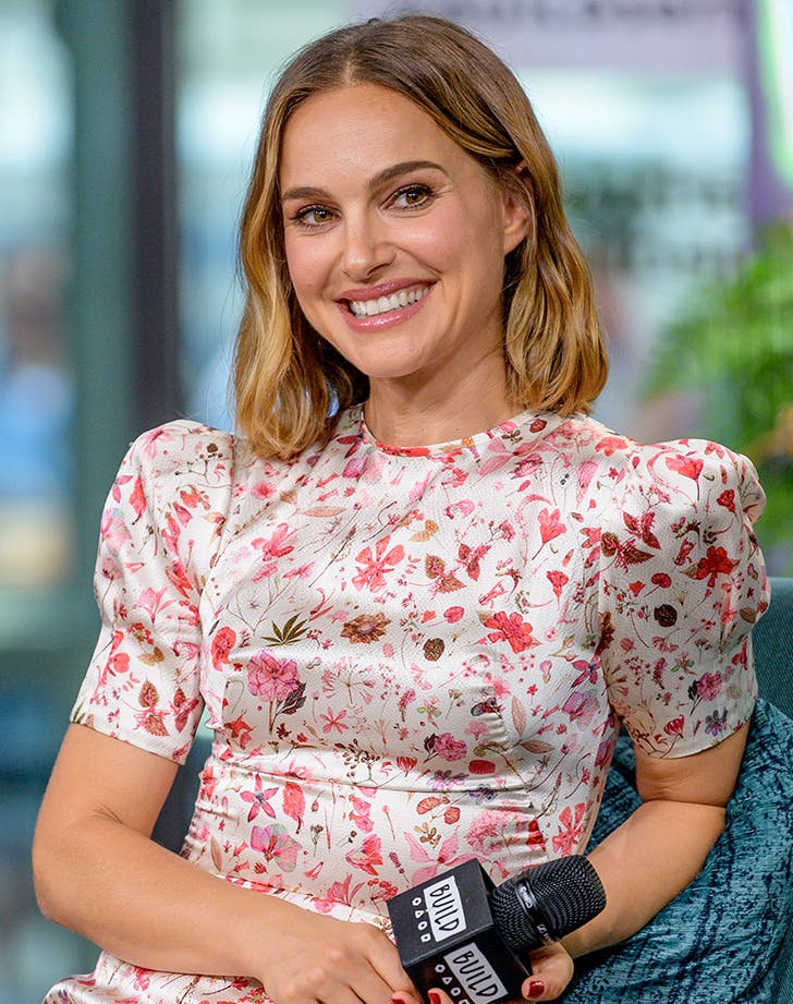 Most Flattering Haircuts for Oval Faces Natalie Portman