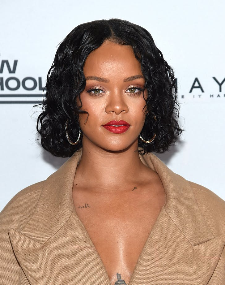 Most Flattering Haircuts for Oval Faces Rihanna