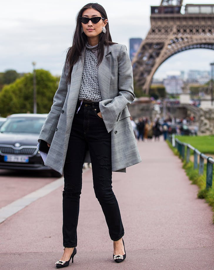 black jeans outfit oversize blazer and heels