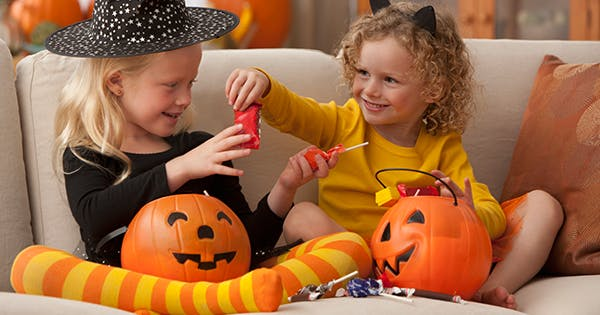 9 Nut-Free Halloween Candy Options for the Classroom
