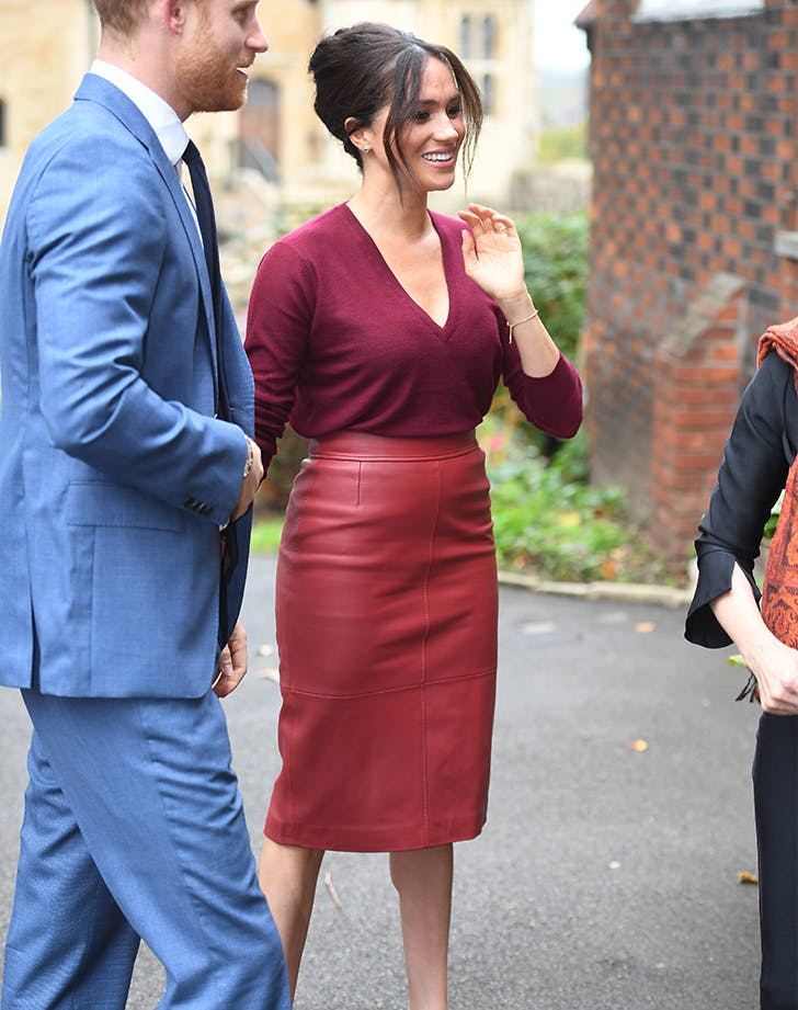 meghan markle red leather skirt