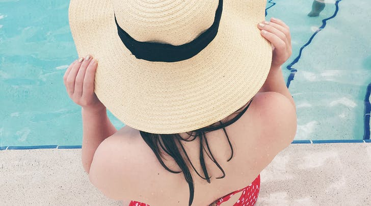 The Very Best Way to Soothe a Sunburned Scalp