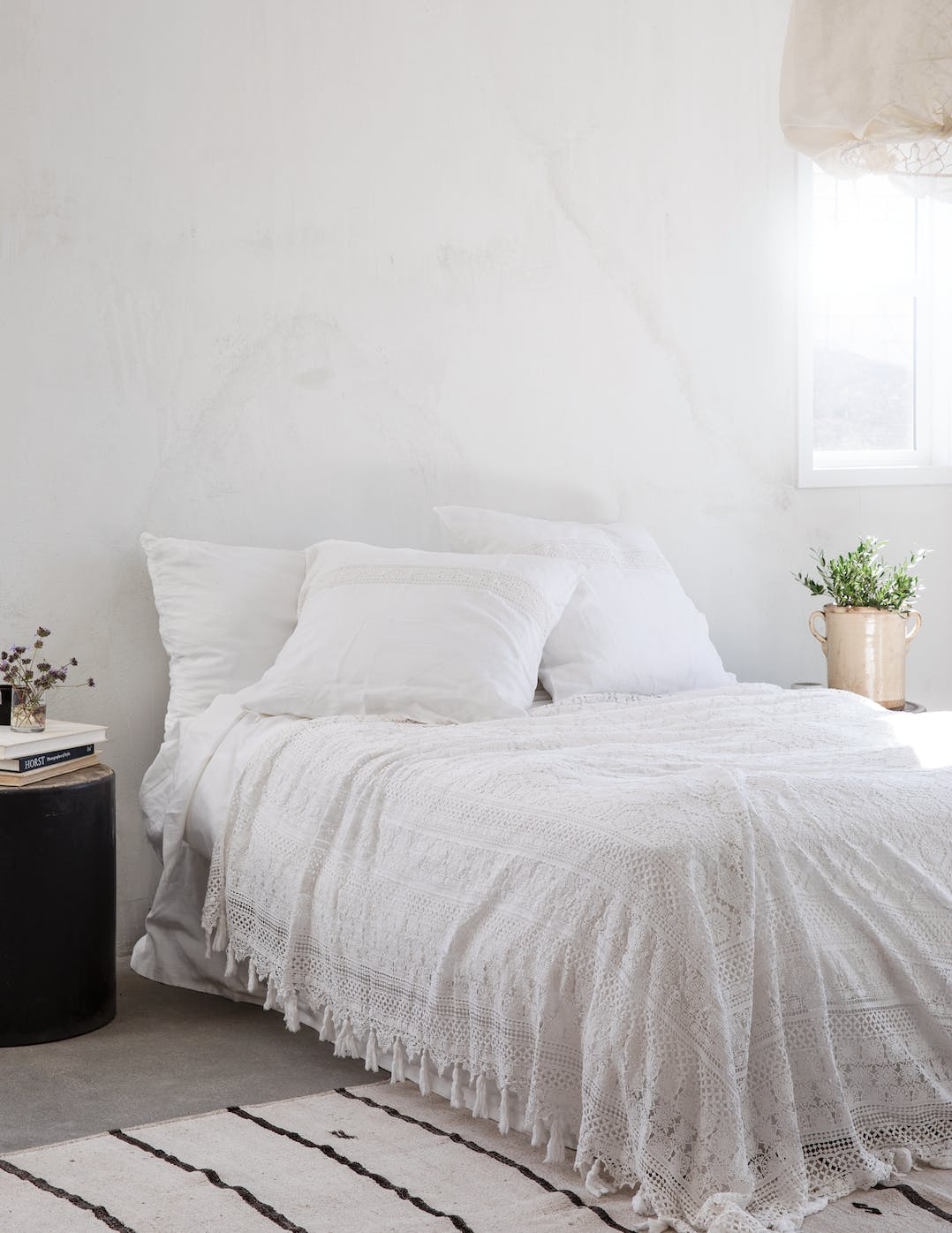 21 Minimalist Bedroom Ideas That Feel Cozy and Serene - PureWow