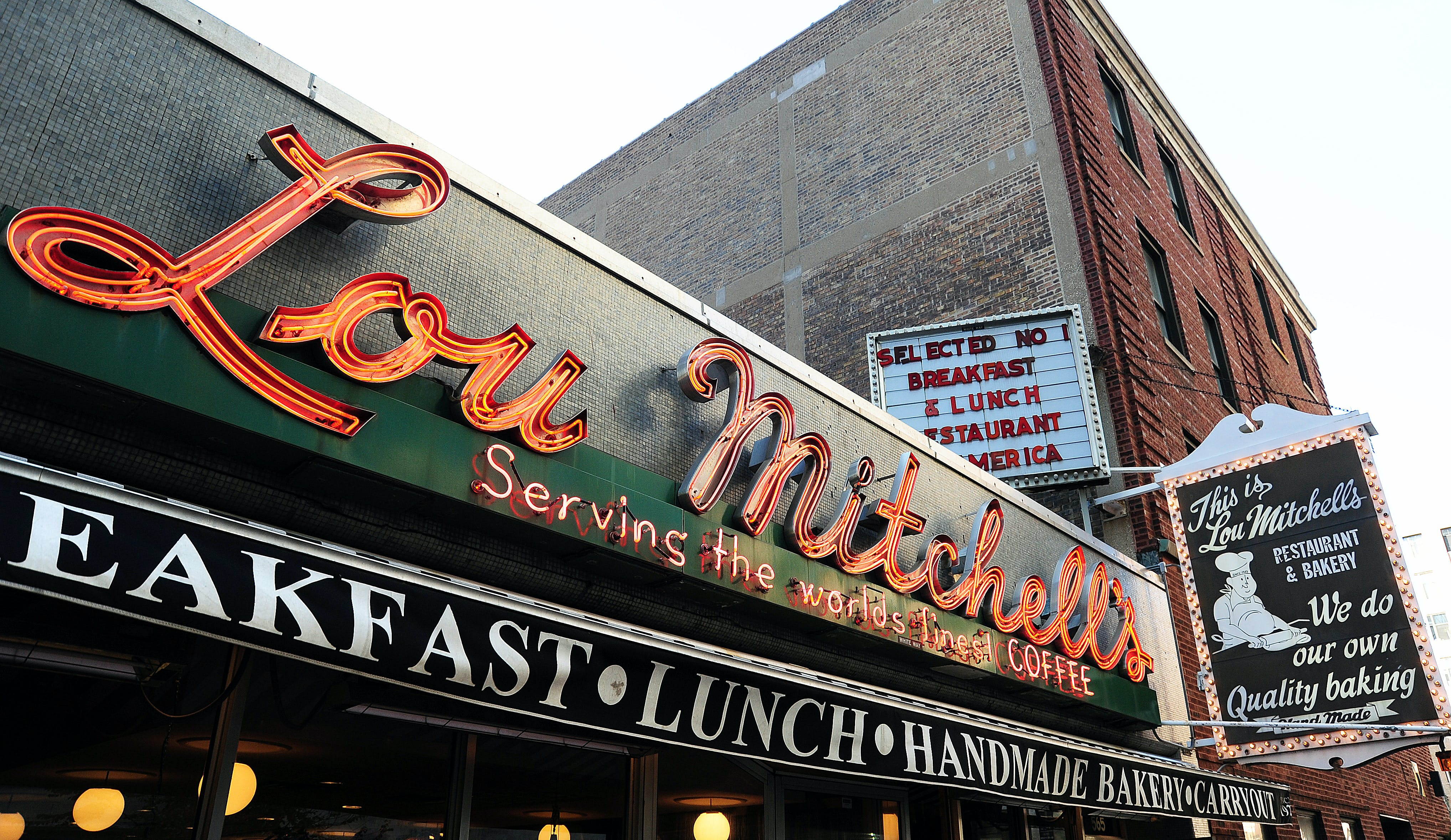 chicago diners lou mitchells