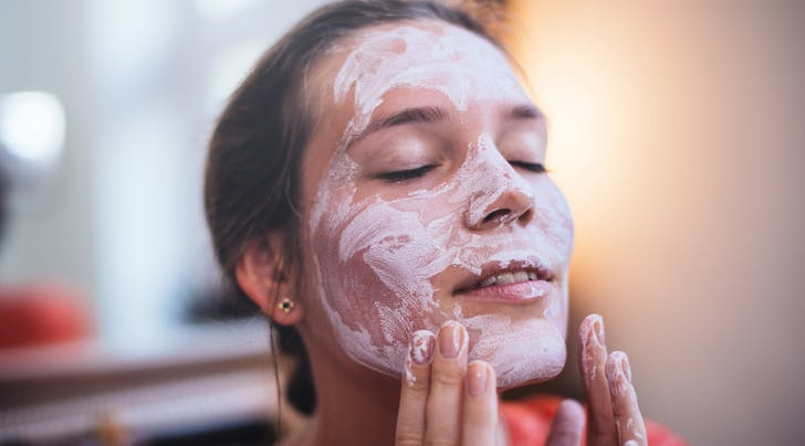 Should I Put That on My Face? Lets Discuss the Benefits (and Precautions) of Using An Egg White Mask