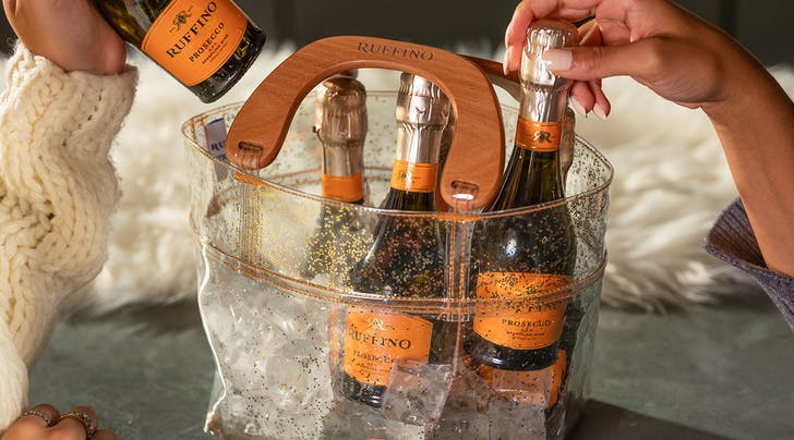 Holiday Gift Alert: These Prosecco Purses Hold a 6-Pack of Bubbly