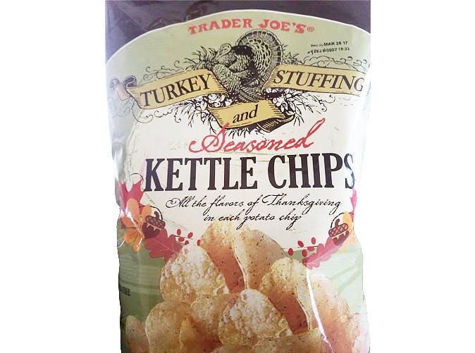trader joes thanksgiving turkey seasoned kettle chips 501