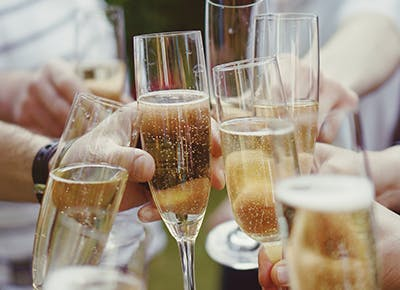 The Best Sparkling Wines Under $40, According to a Sommelier (Who's Also My Husband)