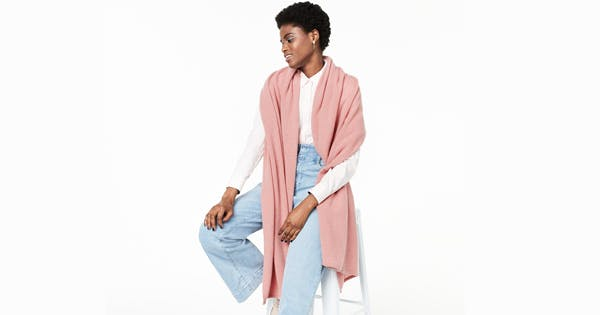 PSA: You Can Get This Cashmere Scarf for 70% Off Right Now