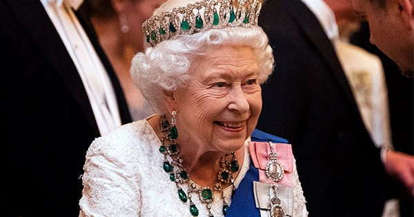 Queen Elizabeth Just Rocked a Never-Before-Seen Emerald Necklace at Buckingham Palace