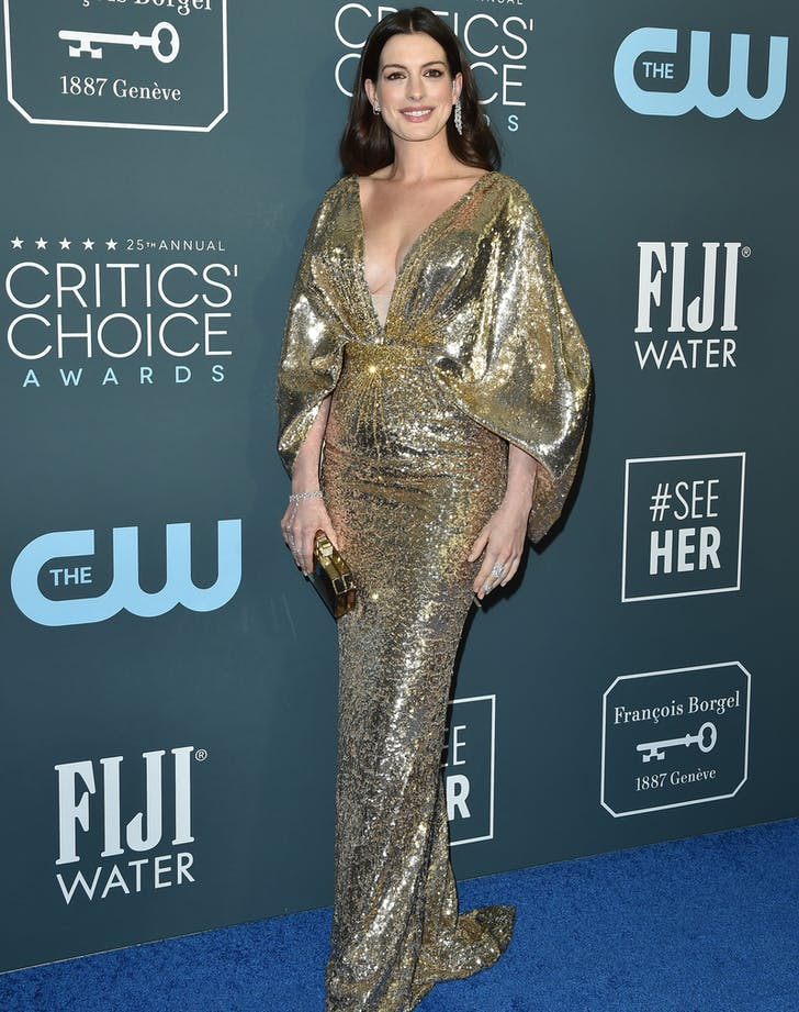 anne hathaway critics  choice awards gown full